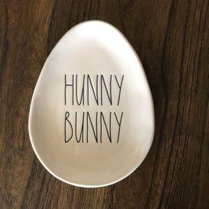 Rae Dunn hunny bunny plate